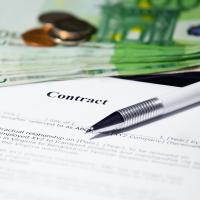 Finanzen Verträge und Ihre Mitteilungspflichten bei Auslandsbeziehungen
