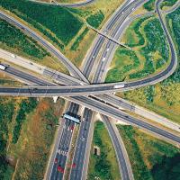 Unzählige ausländische Transportunternehmen sind auf Deutschen Fernstraßen unterwegs. Müssen Sie in dem Fall auch Mindestlohn bezahlen?
